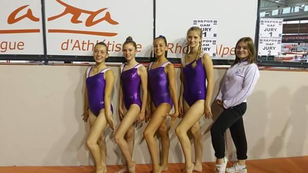 Les BMC après la compétition :Manon,Louann,Clara et Elsa avec Soline