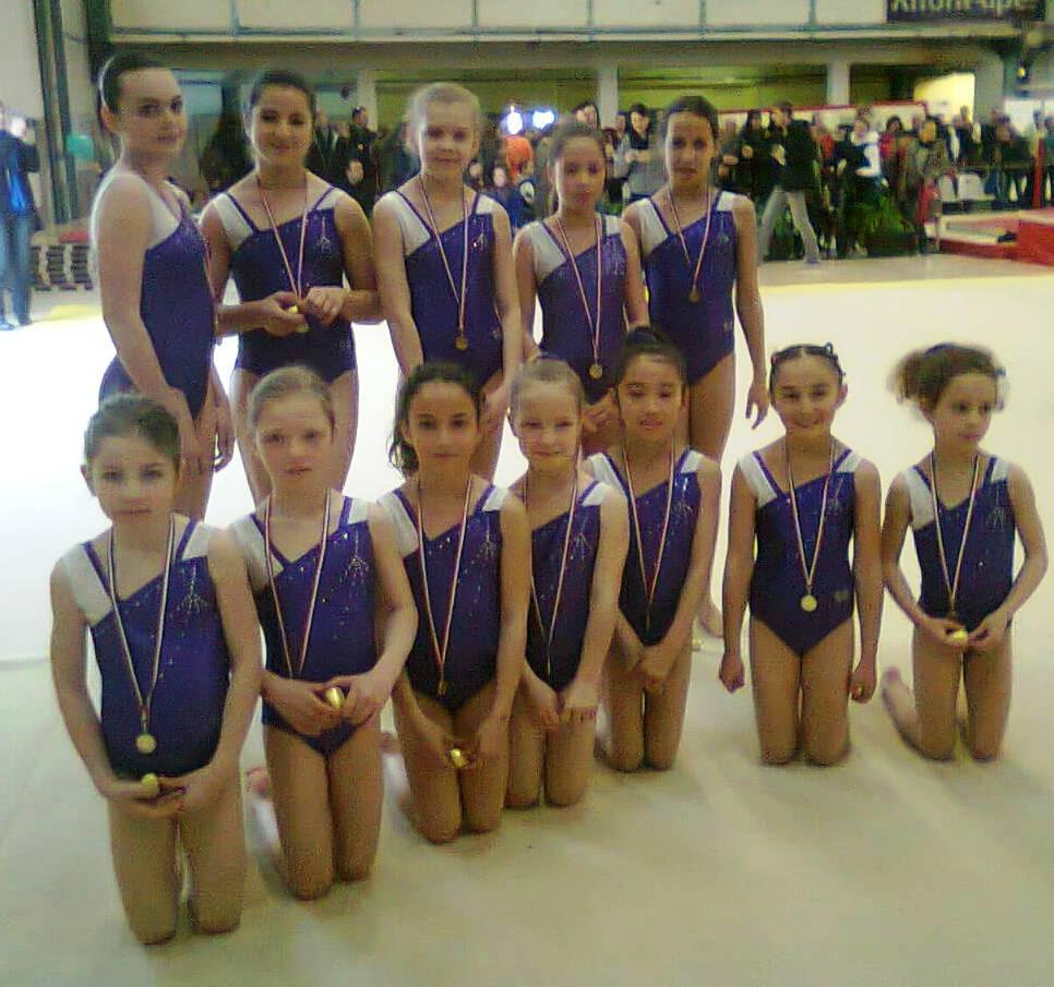 les équipes filles médaillées